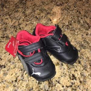 Puma toddler size 4 Velcro sneakers TAGS ATTACHED